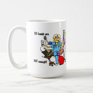 Beschäftigte Krankenschwester-Tasse