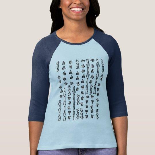 Bescheidene Spitze, bescheidene Farbe, T-Shirt