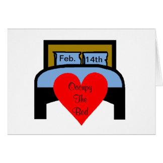 Besetzen Sie die Bett-politische lustige Grußkarte