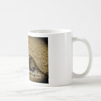 Bester Freund hört Kaffeetasse