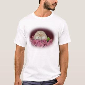 Bett des Rosen-Igels T-Shirt