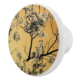 Beunruhigte Goldorientale-Blüten Keramikknauf
