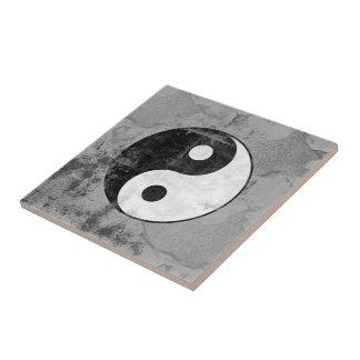 Beunruhigtes Yin Yang Symbol Kleine Quadratische Fliese