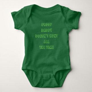 Beweis-Vati jagt nicht ständig Baby Strampler