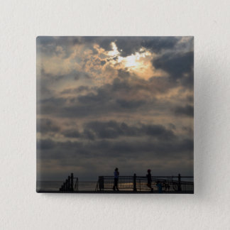 Bewölkter Sonnenaufgang durch Shirley Taylor Quadratischer Button 5,1 Cm