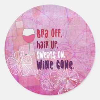 BH weg, Haar oben, schwitzt an, der gegangene Wein Runder Aufkleber