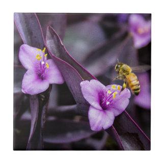 Biene auf Blume Kleine Quadratische Fliese