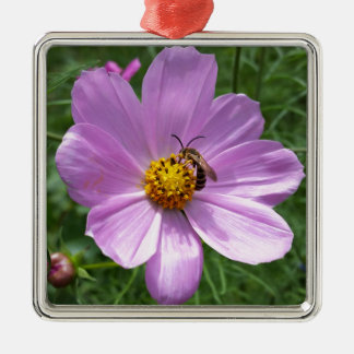 Biene auf Blume Quadratisches Silberfarbenes Ornament