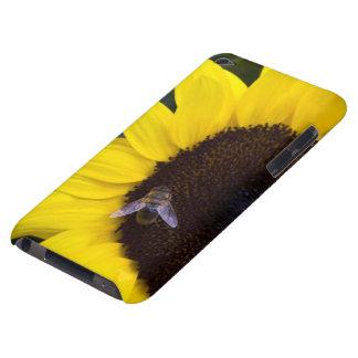 Biene in der Sonnenblume Case-Mate iPod Touch Hülle