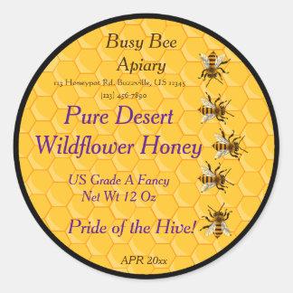 Bienen und Bienenwabe mit schwarzem Runder Aufkleber