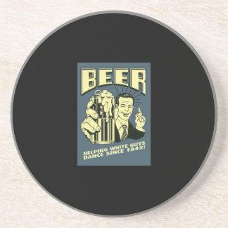 Bier: helfende weiße Typen tanzen seit 1842 Getränkeuntersetzer