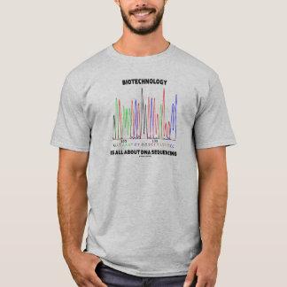 Biotechnologie ist ganz über DNS Der Reihe nach T-Shirt