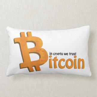 Bitcoin in crypto we trust throw pillow lendenkissen