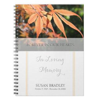 Blätter Herbst-im Erinnerungsgast-Buch Notizblock