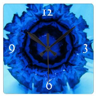 Blau zischt quadratische Uhr
