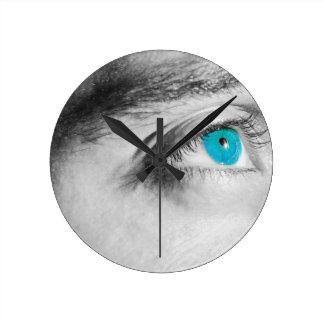 Blaue Augen Runde Wanduhr