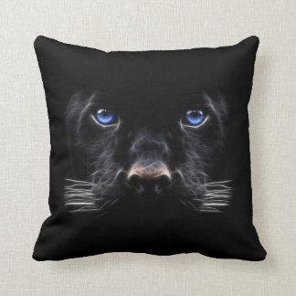Blaue Augen-schwarzer Panther Kissen