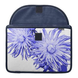 Blaue Dahlie Sleeve Für MacBook Pro