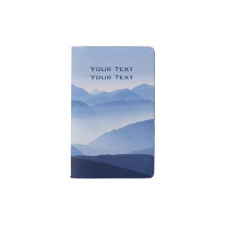 Blaue Gebirgsnachdenkliche entspannende Moleskine Taschennotizbuch