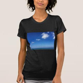 Blaue Himmel in Cozumel T-Shirt