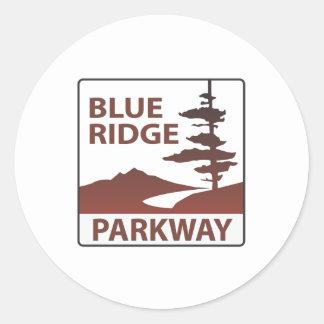 Blaue Ridge-Allee-Landstraßen-Autoreise Runder Aufkleber