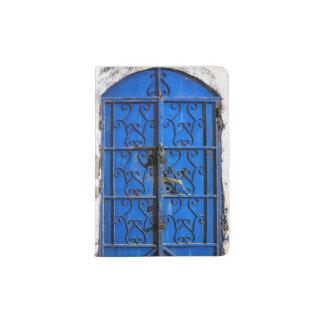 Blaue Stahltür Passhülle