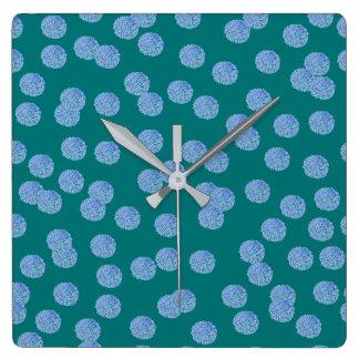 Blaue Tupfen-quadratische Wanduhr