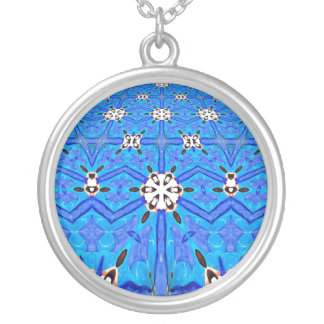blaue und weiße geometrische Musterhalskette Versilberte Kette