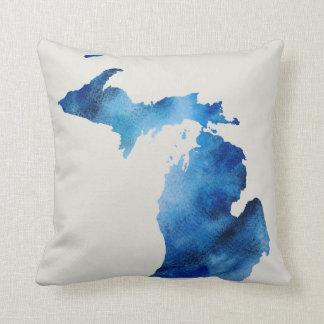 Blaue Watercolor-Michigan-Silhouette   fertigen es Kissen