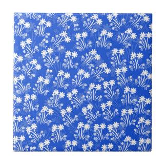 Blaue weiße Blumen Kleine Quadratische Fliese