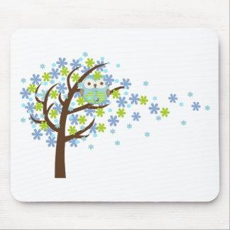 Blaue windige Baum-Eule Mousepad