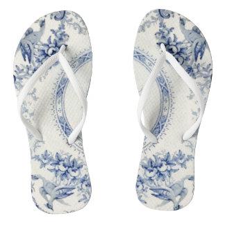 Blauen Trittes Victorias weg von ihrem Heels Flip Flops