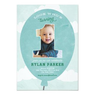 Blauer Ballon-erste Geburtstags-Foto-Einladung Karte