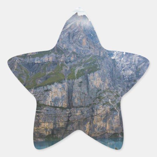 Blauer Gebirgssee oeschinen Teich in der Natur Stern-Aufkleber