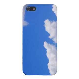 Blauer Himmel mit Wolken für Hintergrund iPhone 5 Etuis