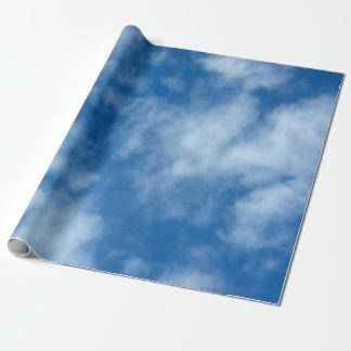 Blauer Himmel mit Wolken-Packpapier Geschenkpapier