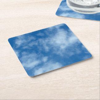 Blauer Himmel mit Wolken Rechteckiger Pappuntersetzer