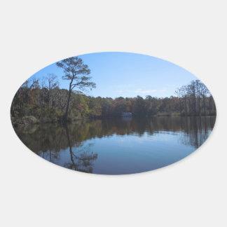 Blauer Himmel-Reflexionen - Beaufort County, NC Ovaler Aufkleber