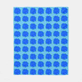 Blauer Rosen-Entwurf auf mittlerer Decke Fleecedecke