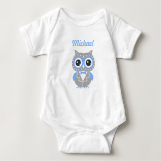 Blauer u. grauer niedlicher baby strampler