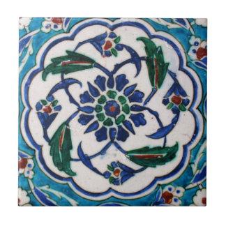 Blauer und weißer BlumenOsmaneära-Fliesenentwurf Kleine Quadratische Fliese