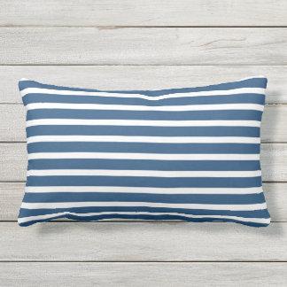Blauer weißer Streifen-klassischer Seeentwurf Kissen