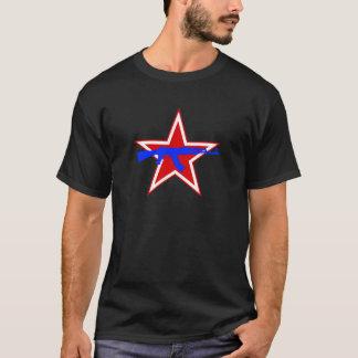 Blaues AK über rotem Stern T-Shirt