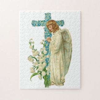 Blaues geblühtes christliches Kreuz