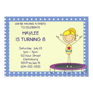 Blaues Gymnastik-Trampoline-Geburtstags-Party 12,7 X 17,8 Cm Einladungskarte