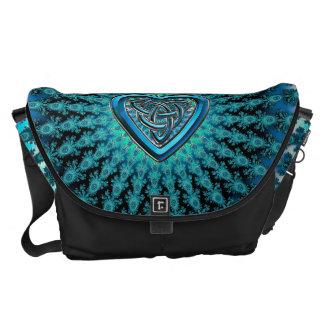 Blaues keltisches Herz-Knoten-Fraktal Kurier Taschen