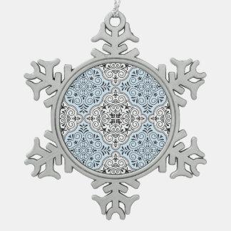 Blaues Rokoko-Muster blühen Schneeflocken Zinn-Ornament