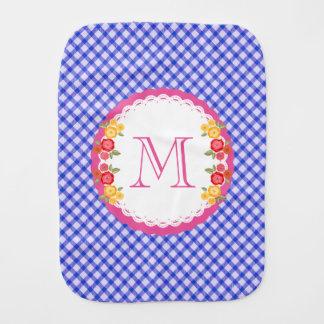 Blaues Vintages Gingham-Blumen-Monogrammbaby Baby Spucktuch