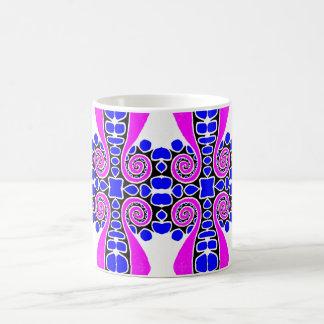 Blaues Weiß der mutiger rosa Strudel-abstraktes Kaffeetasse