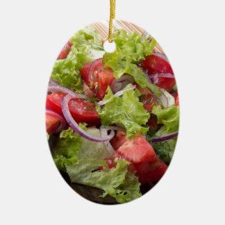 Blickwinkel auf einem Fragment des vegetarischen Ovales Keramik Ornament